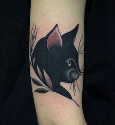 Un chat noir aussi beau ne peut pas porter malheur