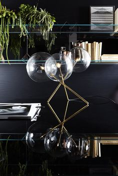 Bolle Tavolo 3,  table lamp, hand burnished brass and glass