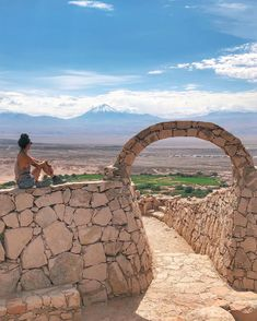 Pukara de Quitor é um sítio arqueológico localizado a 3 km do centro de San Pedro de Atacama. É uma ótima opção para quem está com tempo… Places To Travel, Travel Destinations, Places To Visit, Trekking, Road Trip, Spa, Around The Worlds, America, Landscape