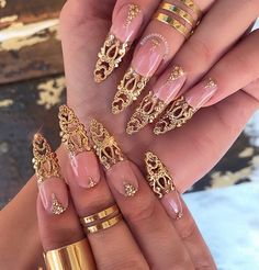 45 The Trending Ombre Stiletto Nails Design Ideas In 2019 - Nail Art Connect Nail Art Designs, New Years Nail Designs, Popular Nail Designs, Nails Design, Salon Design, Ongles Bling Bling, Bling Nails, Stiletto Nails, Coffin Nails
