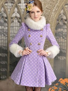 Love this Purple woolen coat! Purple Fashion, Girl Fashion, Beautiful Outfits, Cute Outfits, Vintage Outfits, Pea Coats Women, Cute Coats, Elegantes Outfit, Vintage Coat
