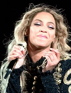 Beyonce Gif, Beyonce And Jay Z, Rihanna, Girl Celebrities, Celebs, Beyonce Formation Tour, Beyonce Performance, Queen Bee Beyonce, Beyonce Pictures
