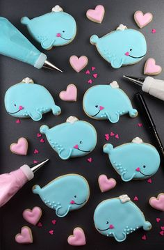 These cookies are SO cute! I luf them! Santa Cookies, Galletas Cookies, Iced Cookies, Cute Cookies, Royal Icing Cookies, Cupcake Cookies, Sugar Cookies, Cookies Et Biscuits, Heart Cookies