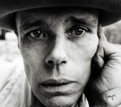 joseph beuys how to explain pictures