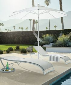 Easy to stack and store when not in use, our Baja Chaise is the epitome of simplistic, sleek comfort. The breathable mesh sling is wrapped tautly around a hand-finished aluminum frame to provide responsive support that contours to your body.