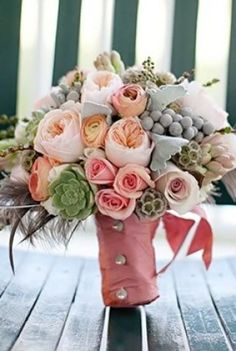 de pêche et de pivoine rose et bouquet de roses mariage rustique avec plantes grasses et d'encre par l'intermédiaire d'extraits