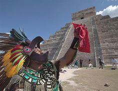 Chichén Itzá spring equinox in Mexico