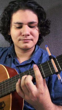 Guitar Chords For Songs, Music Guitar, Guitar Lessons, Playing Guitar, Violin, Gitarrenakkorde Songs, Guitar Tutorial, Cosplay Makeup, How To Draw Hair
