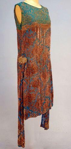 1920s Clothing, Vintage Clothing, Vintage Dresses, Vintage Outfits, 20s Fashion, Art Deco Fashion, Retro Fashion, Vintage Fashion, Glasshouse Mountains
