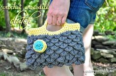 Crochet crocodile stitch clutch purse free pattern