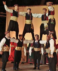 Greek costumes from the Niğde region.  Clothing style: early 20th century.  These are recent workshop-made copies, as worn by folk dance groups.