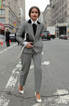 Find tips and tricks, amazing ideas for Miroslava duma. Discover and try out new things about Miroslava duma site Office Fashion, Fashion Week, Work Fashion, Fashion Trends, Paris Fashion, Fashion Ideas, Corporate Fashion, Womens Fashion For Work, Tomboy Outfits