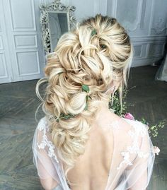 32 Pretty Half up half down hairstyles - partial updo wedding hairstyle is a great options for the modern bride from flowy boho and clean