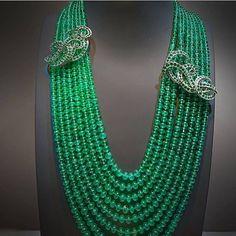 Fabulous necklace @vancleefarpels via @qatarlifestyleblogger !! #DJWE2017 #art #life #love #highjewelry #finejewelry #hautejoaillerie #diamond #emerald #instagood #instalike #instamood #instagram #instadaily #instafollow #inspiration #luxurylife #luxurydesign #luxuryjewelry #luxurylifestyle #dream #happy #followme #style #girl #queen #royal #fabulous #amazing #gorgeous