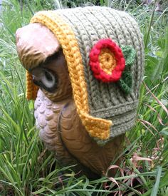 I want to make this bonnet soooo badly, but the pattern is no longer available.  Ack!