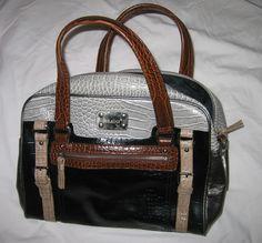 Handtas in zwart / bruine / grijs van Bulaggi.