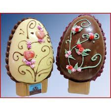 Ideas Fruit Decoration Ideas Entertaining For 2019 Cake Decorated With Fruit, Simnel Cake, Easter Biscuits, Fruit Juice Recipes, Chocolates, Egg Cake, Spring Cake, Homemade Popsicles, Fruit Decorations