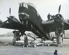 1942 RAF Short Stirling bomber