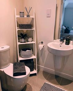 The post 28 Impressive Bathroom Storage Ideas Smart Solution Big Impact! appeared first on Badezimmer ideen. Small Bathroom Storage, Bathroom Organisation, Small Storage, Organization Ideas, Bathroom Ladder Shelf, Bathroom Storage Solutions, Toilet Storage, Diy Storage, First Apartment Decorating