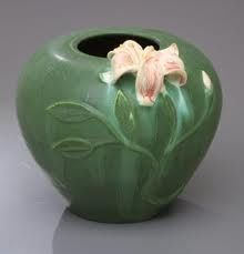 Ephraim Faience Pottery, Ephraim Pottery, Arts and Crafts Movement, rustic Adirondack and mountain pottery by Ephraim Pottery inspired by Grueby pottery. Clay Vase, Flower Pots, Flowers, Pottery Classes, Pottery Sculpture, Pot Of Gold, Pottery Designs, Gold Art, Arts And Crafts Movement