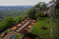 soldiers quarters Sigiriya, via Flickr.