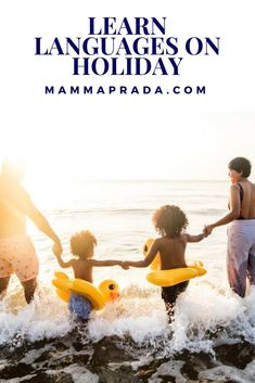 Would you love your children to learn a language on holiday? Take a look at these products you can pack in your suitcase! Learning Through Play, Kids Learning, Travel Activities, Activities For Kids, Learn French, Learn German, Learn Spanish, Best Educational Toys, Kindergarten