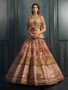 Be a sartorial dream in a #lehenga by @solteeuk on your #bigday