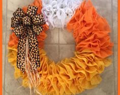 Also, this item must be in unused condition. Wreath Crafts, Diy Wreath, Flower Crafts, Wreath Ideas, Diy Crafts, Halloween Deco Mesh, Halloween Crafts, Halloween Wreaths, Halloween Ideas