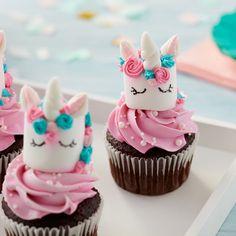 Magical Marshmallow Unicorn Cupcakes | Wilton Diy Unicorn Cake, Unicorn Cupcakes Toppers, Unicorn Party, Unicorn Birthday Parties, Dance Cupcakes, Ballet Cupcakes, Art Cupcakes, Cupcake Cakes, Unicorn Milkshake