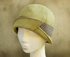 Looking for your next project? You're going to love Penelope - 1920's Cloche Hat by designer Elsewhen.