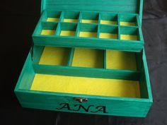 Decoración y personalización de joyeros de madera. Pirograbado y pintado a mano.