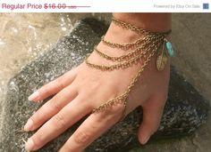 INVIERNO venta esclava pulsera mano pulsera pieza por FunnyPeopleCo, $12.80