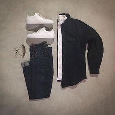 @votrends #mensjeans #sneakers Pants/Jacket: #americaneagle #welldressedmen Shirt: #expressmen #gq #gqstyle #MensShoes #blackjacket #koiocollective Glasses: #rayban @mallenpics