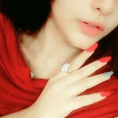 Girl Hand Pic, Girls Hand, Face Pictures, Girly Pictures, Amazing Dp, Awesome, Wonder Girls Members, Girlz Dpz, Aesthetic Roses