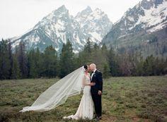Yubeteh & Dennis - Wyoming Wedding http://caratsandcake.com/yubetehanddennis