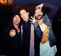 Image uploaded by irais leto Miličević. Find images and videos about jared leto, 30 seconds to mars and on We Heart It - the app to get lost in what you love. Thirty Seconds To Mars, 30 Seconds, Jaret Leto, Mars Photos, Life On Mars, Shannon Leto, Film Music Books, Music Stuff, 80s Stuff