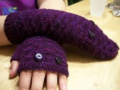 Too cold for fingerless gloves outside, and too chilly for bare hands inside? These Fully Convertible Mittens may just be the answer! - FantasyFlyte Designs