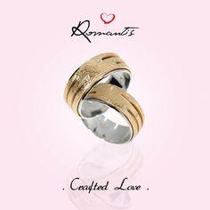 Coleção Crafted Love com peças deslumbrantes como estas. Gostarias de ter um par de alianças Romantis?  Alianças em Ouro Amarelo e Branco, com ou sem cravação.  ALR4009A / ALR3945A