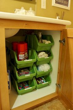 Full Time RV Living Tips and Tricks Camper Organization (45)