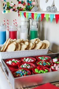 Holiday Cookie Decorating with Kids - Noel - christmas Fun Christmas Party Ideas, Christmas Activities, Christmas Desserts, Christmas Treats, Christmas Baking, Holiday Treats, Diy Xmas Party Decor, Christmas Party Ideas For Adults, Holiday Recipes