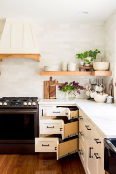 Kitchen design has its challenges, like what to do with that wasted corner space! Here are some creative corner cabinet ideas for your remodel. #fromhousetohaven #kitchendesign #cornercabinet #kitchen Ikea Corner Cabinet, Kitchen Corner, New Kitchen, Corner Cabinets, Kitchen Small, Kitchen Cart, Kitchen Stuff, Design Your Kitchen, Kitchen Cabinet Design