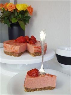 Der beste Lowcarb Erdbeerkuchen ohne backen Low Calorie Desserts, Paleo Breakfast, Paleo Diet, Meal Prep, Smoothies, Cheesecake, Sweets, Cooking, Food