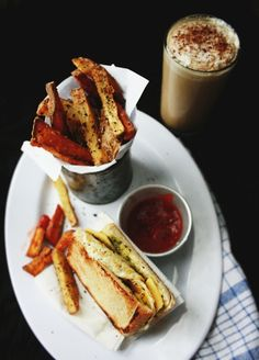 Hangover Cure - Part.1: Smoothoccino, Fried Egg & Cheese Sandwichand Herbed Fries / peegaw