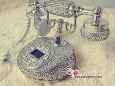 CLASSIC Bling and Sparkly PHONE to ensure a good mood when making / receiving a call from oursonline on Etsy. Saved to Stylish stuffs. Telephone Line, Swarovski, Charge Crystals, Caller Id, Call Backs, Good Mood, Landline Phone, Classic, Unique Jewelry