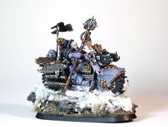 Showcase: Space Wolves Rune Priest Biker Here is my latest piece of work – a Space Wolves Rune priest biker based on the White Scars biker from the Overkill boxed set. Warhammer 40k Space Wolves, Warhammer Fantasy, Warhammer 40000, Wolf Time, Figurine Warhammer, Sideshow Collectibles, Game Workshop, Priest, Runes