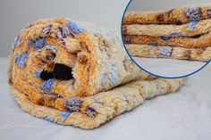 Amazon.com : Foxy Loves Warm Pet Dog and Cat Blanket - Soft Fleece Pet Blanket…