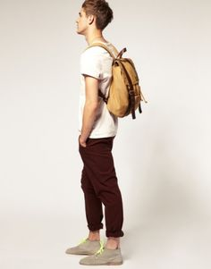 Buy ASOS Canvas Backpack With Contrast Straps at ASOS. With free delivery and return options (Ts&Cs apply), online shopping has never been so easy. Get the latest trends with ASOS now. Teenager Outfits, Teenager Mode, Boy Outfits, Fashion Moda, Look Fashion, Urban Fashion, Teen Fashion, Fashion Outfits, Junior Fashion