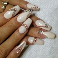 White negative space blind nails