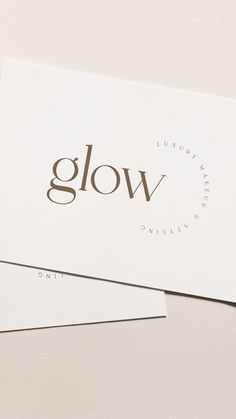 Le Grand is an elegant & modern typeface that uses ligatures to smoothly link letters. It's perfect for logos, wedding monograms or pull quotes. Flip through Wedding Logos, Monogram Wedding, Wedding Monograms, Best Logo Fonts, Logo Typo, Fond Design, Modern Typeface, Typographie Logo, Bussiness Card