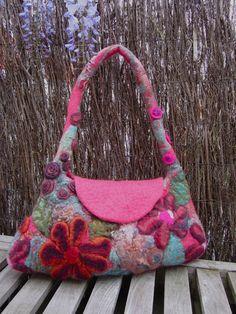 Wool.  Els Abspoel- I LOVE this bag !!